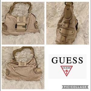 Guess Cream Bag / Purse / size Med